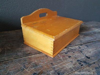 Oude houten poets trommel.