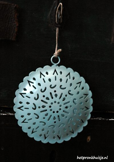 Mrs. Bloom ornament rond old blue.