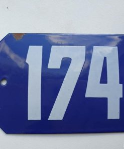 Oud emaille huisnummer. Nr 174