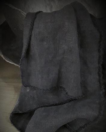 Linnen keukendoek gerafeld zwart.
